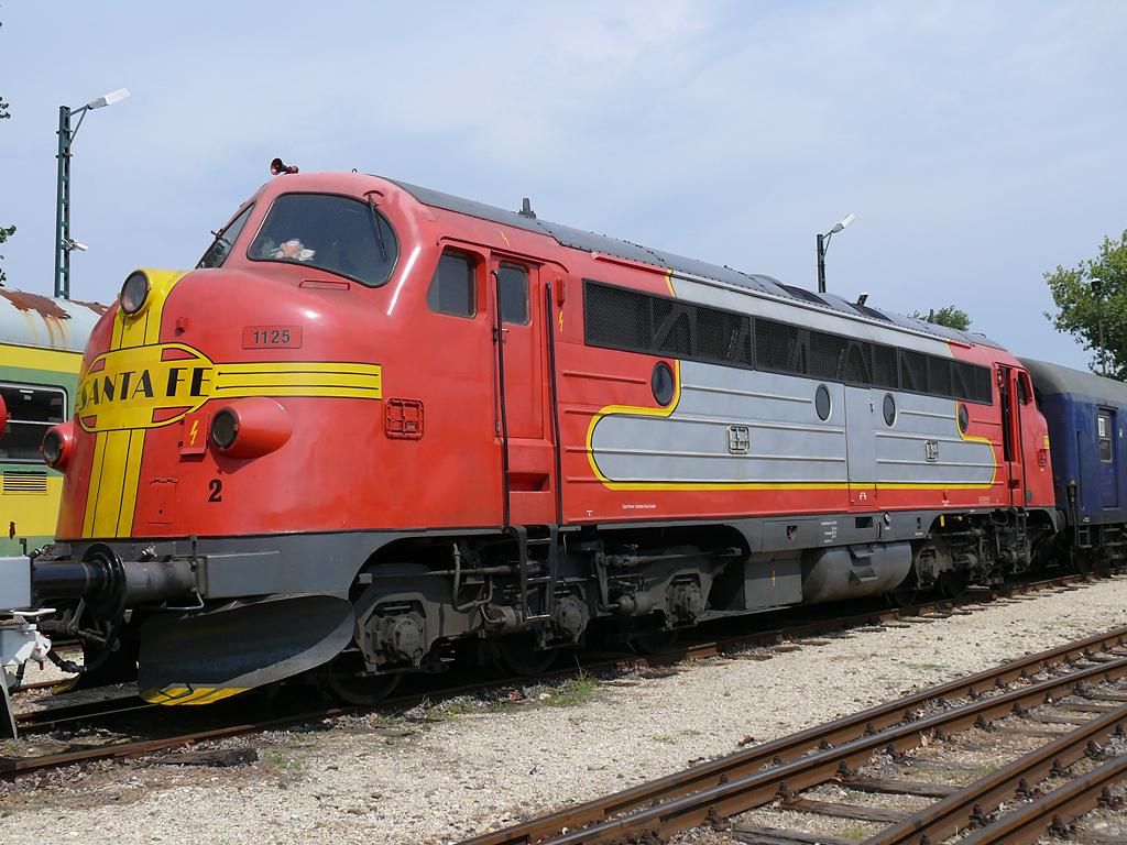 Santa Fe Red Silver Or Blue Yellow O Gauge Railroading On Line Forum