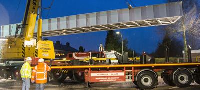 Gyalogoshíd hollandul: voetgangersbrug