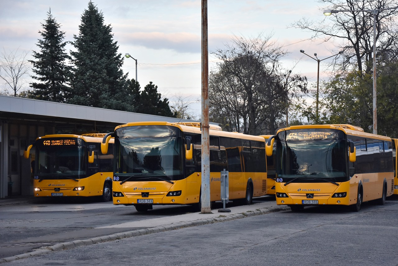 Típusváltás Gödöllő térségében, egymás után érkeznek a vadonatúj sárga Credo Econellek