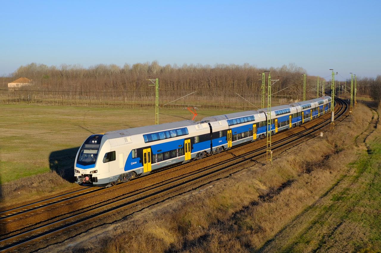 Forgalomba állt a MÁV-Start első emeletes KISS motorvonata (fotó: Vörös Attila)