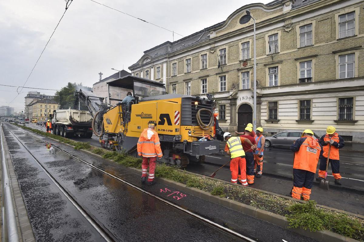 3c71f24d7d IHO - Közút - Róbert Károly körút: elkezdték a felújítást