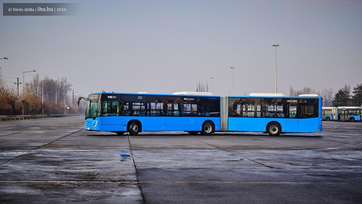Harminc, plusz opciósan további három Mercedes-Benz Conecto G csuklósbuszt állít forgalomba Budapesten a Volánbusz (fotó: Vörös Attila)