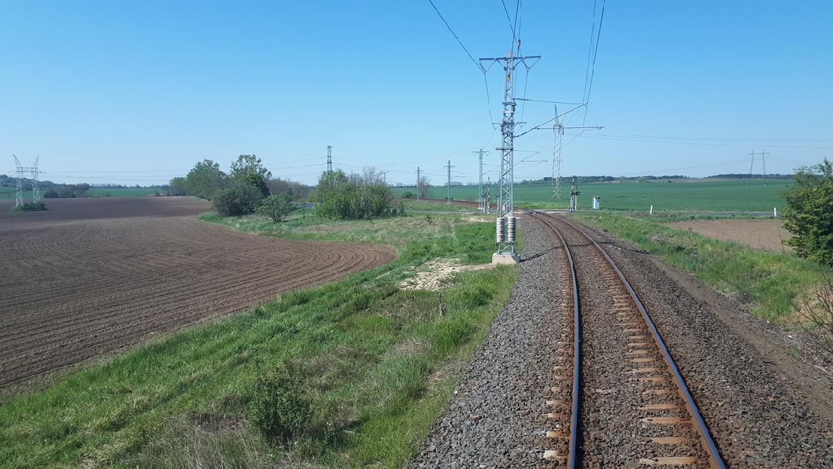 Ütemterv szerint halad a 29-es vonal Szabadbattyán–Balatonfüred szakaszának villamosítása (fotó: NIF Zrt.)