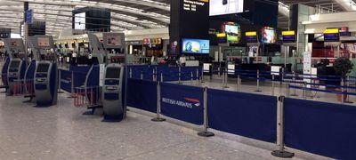 """Egy """"egyszerű"""" áramhiba megbénította London két legfontosabb repterét"""