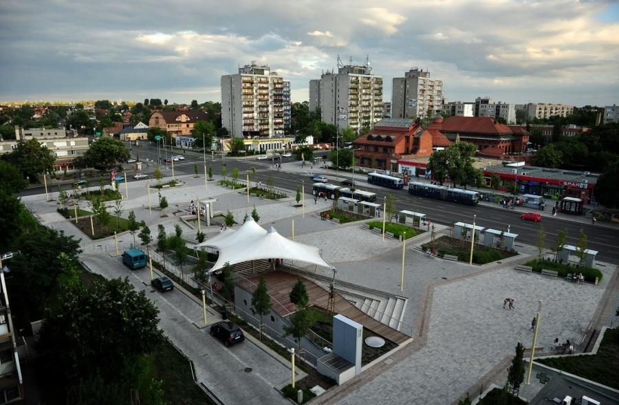 Rákoskeresztúr központja. Nem kifejezetten az a városias sűrűség, amely metróért kiált (forrás: ittlakunk.hu)