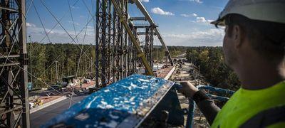 Bő két hét, és helyén Győr új hídja a Mosoni-Duna fölött