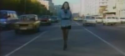 Kincs a múltból: Olga Voszkonyjan leborul az autózás előtt