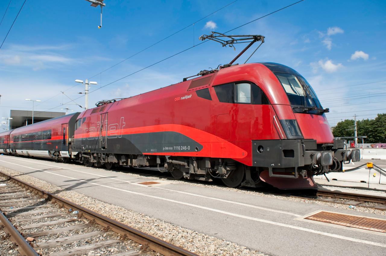 Új railjetekkel és eurocitykkel teszi teljessé az órás ütemet Budapest és Bécs között az ÖBB és a MÁV-Start (kép forrása: Siemens)