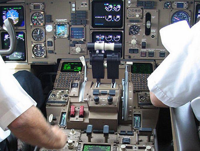 egypilótás utasszállító repülőgép
