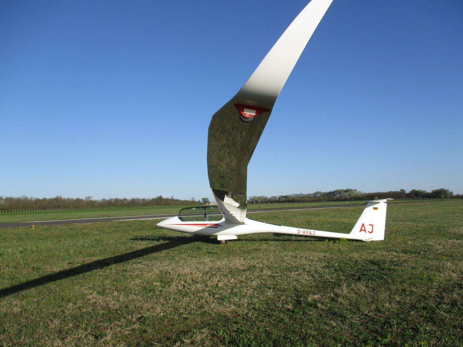 Az EB 28E egyelőre a földön: német lajstrommal magyar pilóták repülik