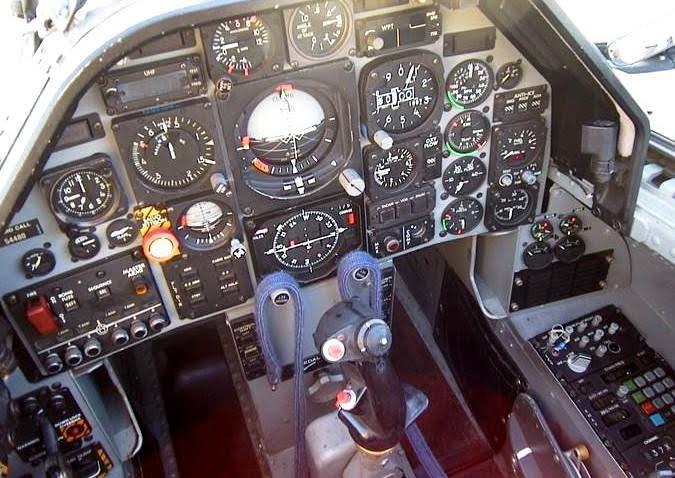 MB.339 műszerfal, A-változat, első kabin