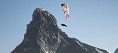 Őrült verseny az Alpokban: repülni és gyalogolni ezer kilométert