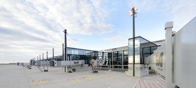 Az át sem adott, elátkozott reptér új terminálja