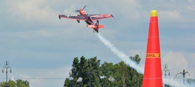 Vörös Bikák, Jetman, BigMac és persze versenyzők Budapest felett