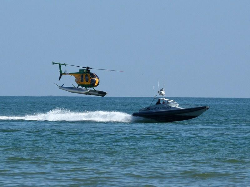 Az MD-500-as nálunk is sűrűn látható, csak nem úszótalpakkal
