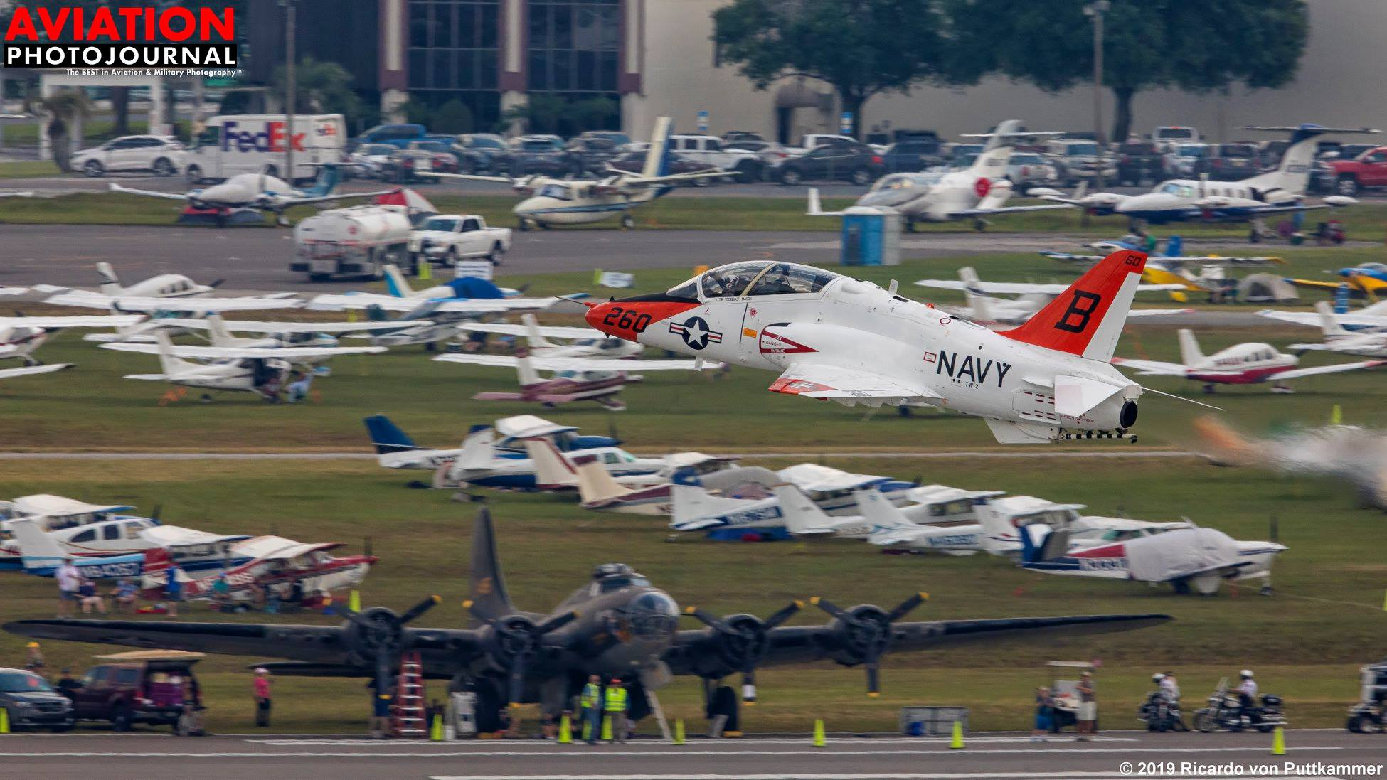 Ha Florida, akkor haditengerészet, a T-45 Goshawk az első gép, amivel a hordozóra leszállnak a fiatal pilóták