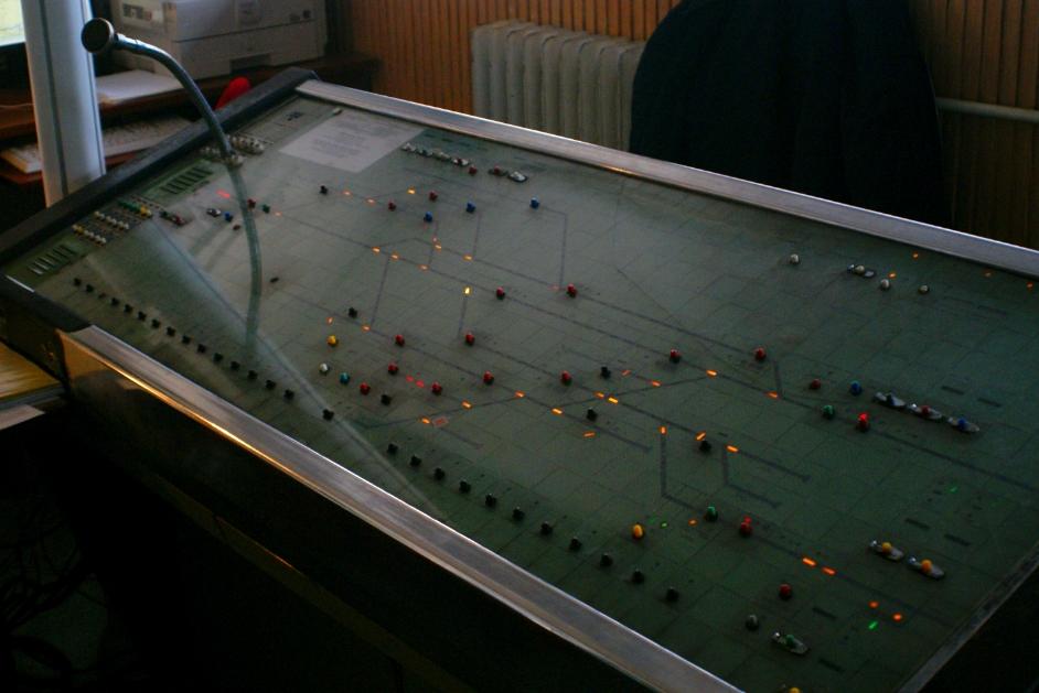 Fonyód állomás váltóit, jelzőit továbbra is a D55 pultról állítják
