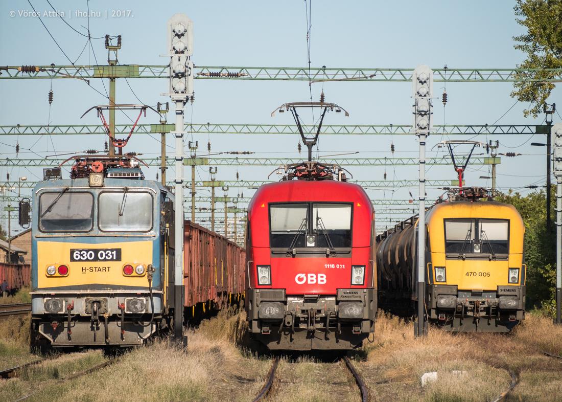 RCH-s tehervonatok várakoznak Hároson (képek: Vörös Attila)