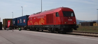Megérkezett Bécsbe az első csengtui konténervonat