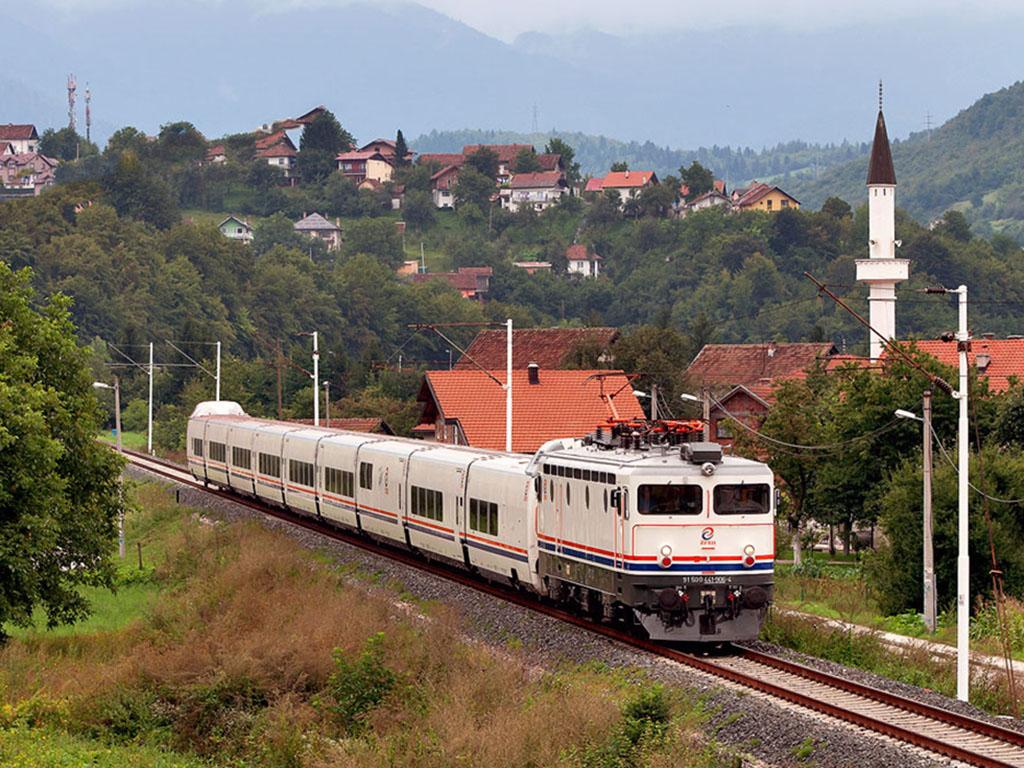 IHO - Vasút - Újra csattoghatnak a személyszállító vonatok ...