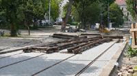Elhúzódó építkezés a budai Duna-parton