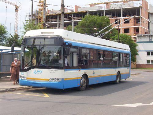 A DKV Zrt. új beszerzésű Solaris trolibuszai már négy éve Debrecen utcáin (a képen a 344-es)<br/>(fotó: Óvári Péter, a külön nem jelölt felvételeket a szerző készítette)