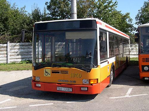 Ikarus 412-es Pozsonyban