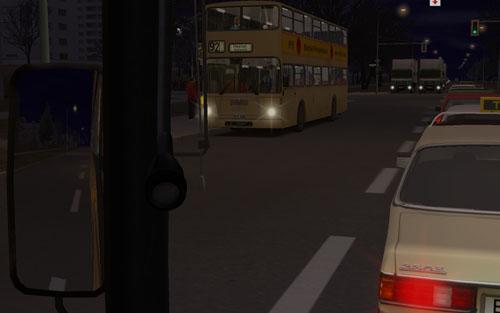 Egy élő városba csöppenünk. Szemben a 92-es vonal egy másik kocsijára szállnak fel az utasok. A nappal és az éjjel az órának megfelelően változik, így a hajnal és a naplemente is megfigyelhető