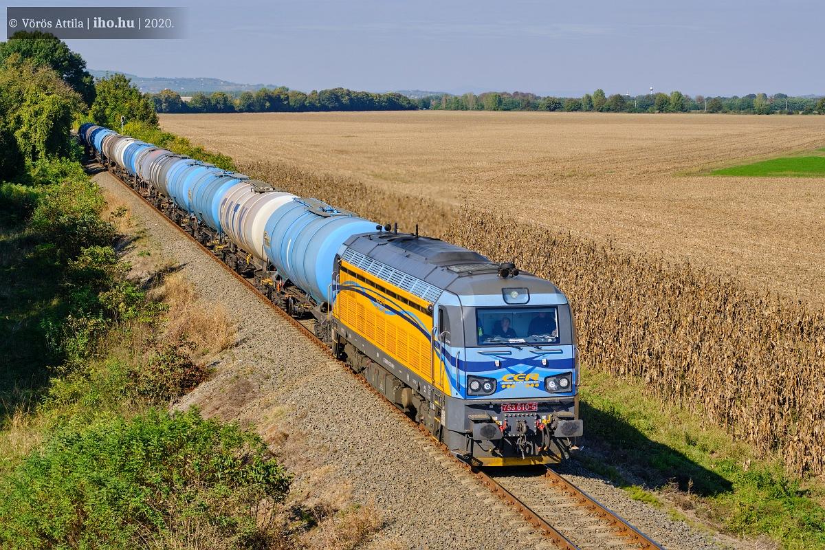 Magyarbóly és Pélmonostor közt halad a vonat Horvátország felé – a határ innen látótávolságban van már