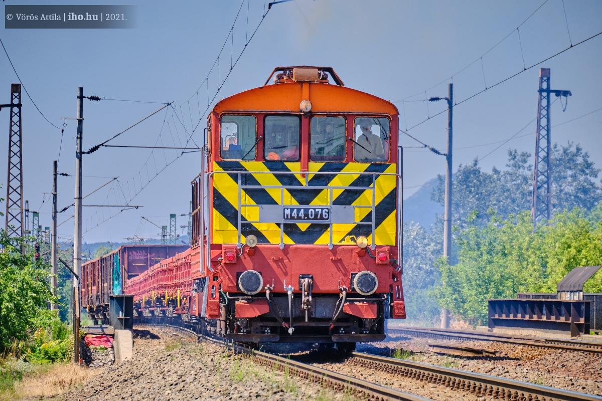 Angyalföld elágazásnál halad a Körvasútra Rákosrendező felől a MÁV Rail Tours menete