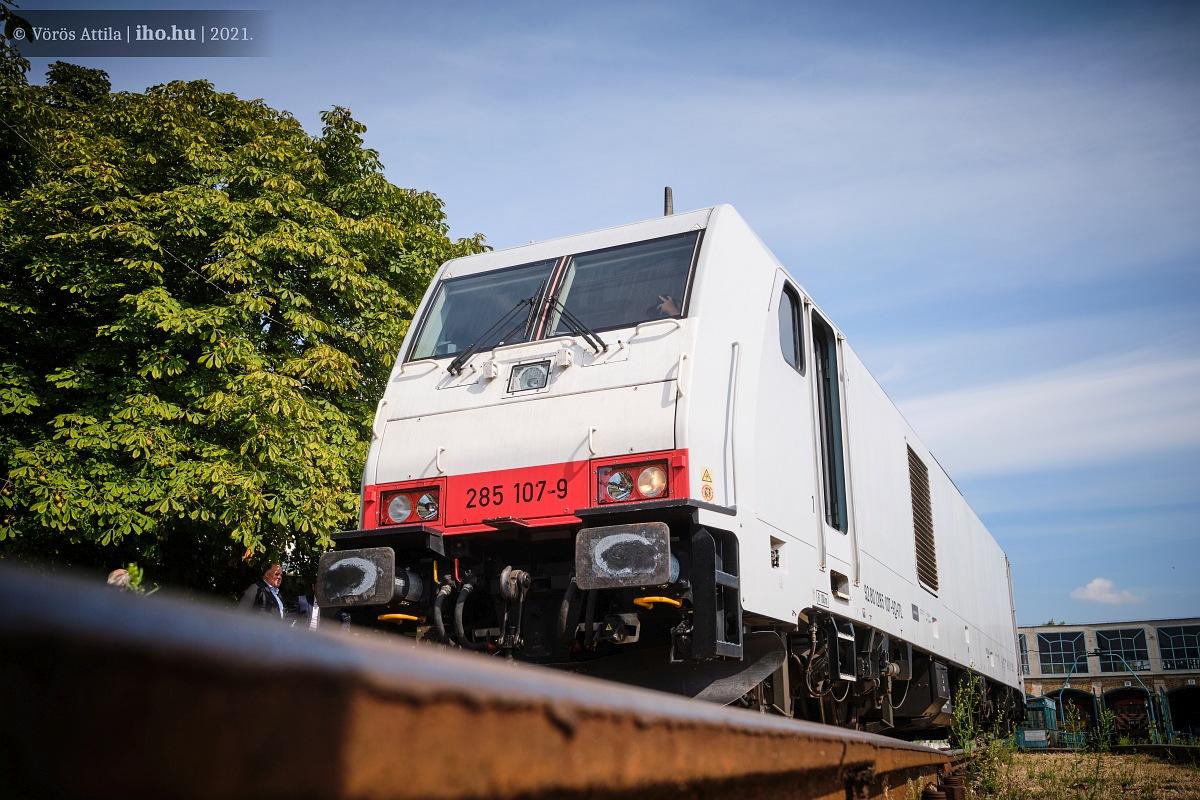 Nemsokára Miskolc környékén áll munkába a fehér mozdony!