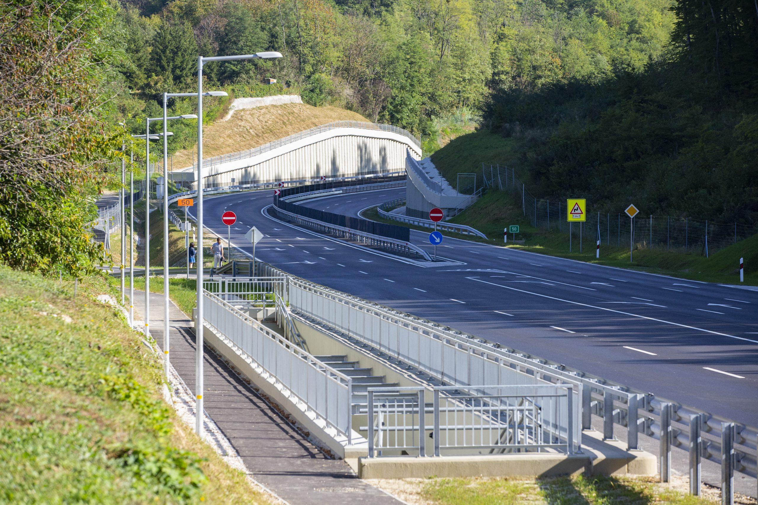 Másfél kilométer hosszon vált négysávossá a 76-os főút zalaegerszegi bevezetője (fotók: NIF Zrt.)