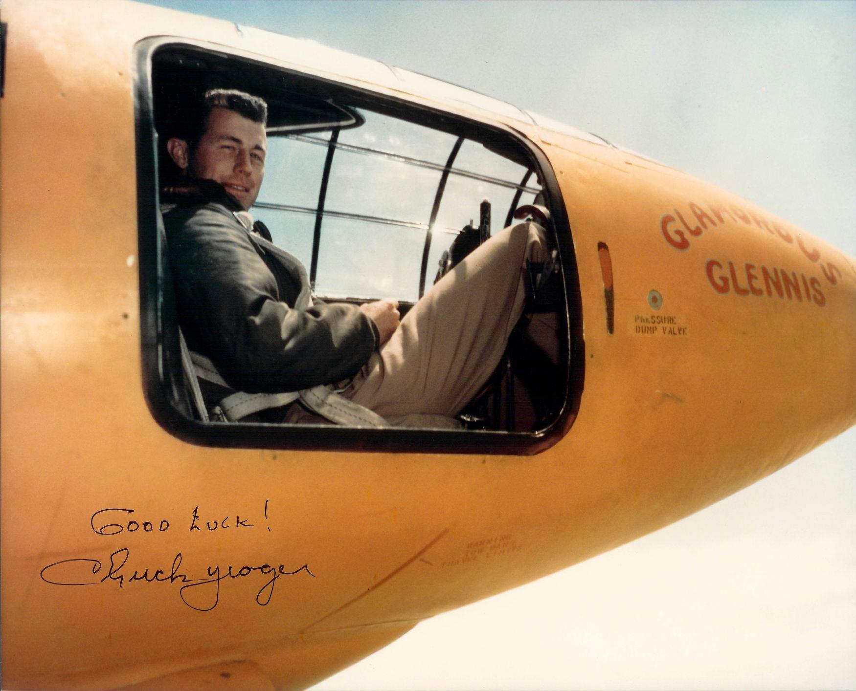 Az X-1-esbe oldalt kellett bemászni, adott pillanatban zárni a seprűnyéllel...