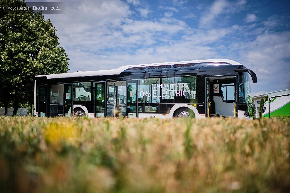 Először jár hazánkban a Scania új elektromos busza (fotók: Vörös Attila)