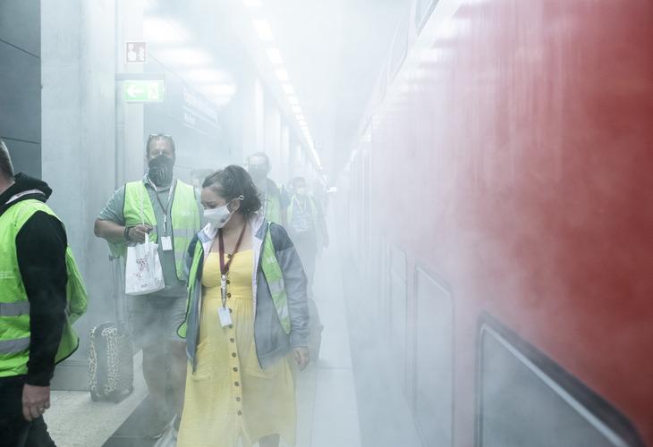 Az egyik próba a terminálépület alatti vasútállomáson zajlott (fotók: berlin-airport.de)