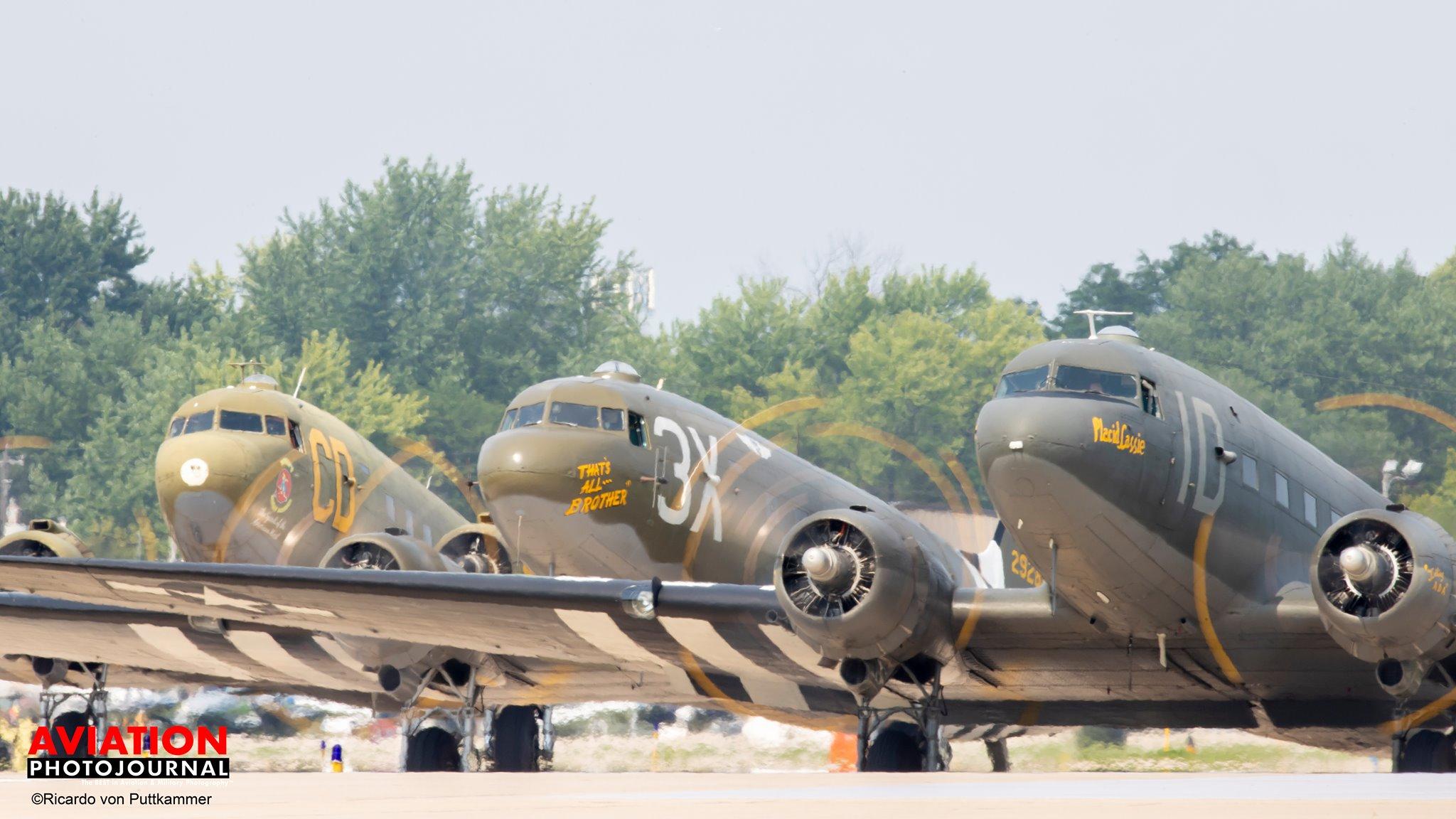 Felszálláshoz sorakozik a C-47/DC-3 kötelék