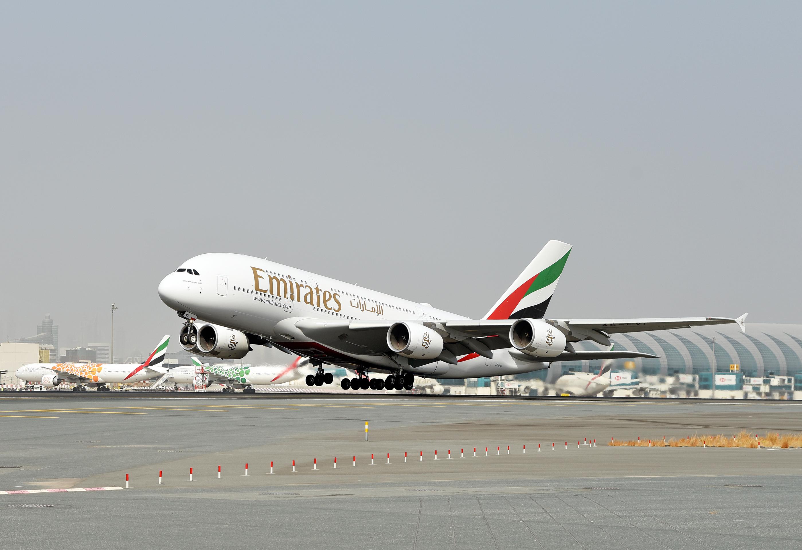 A legnagyobb A380-as üzemeltető megtartja a példányait