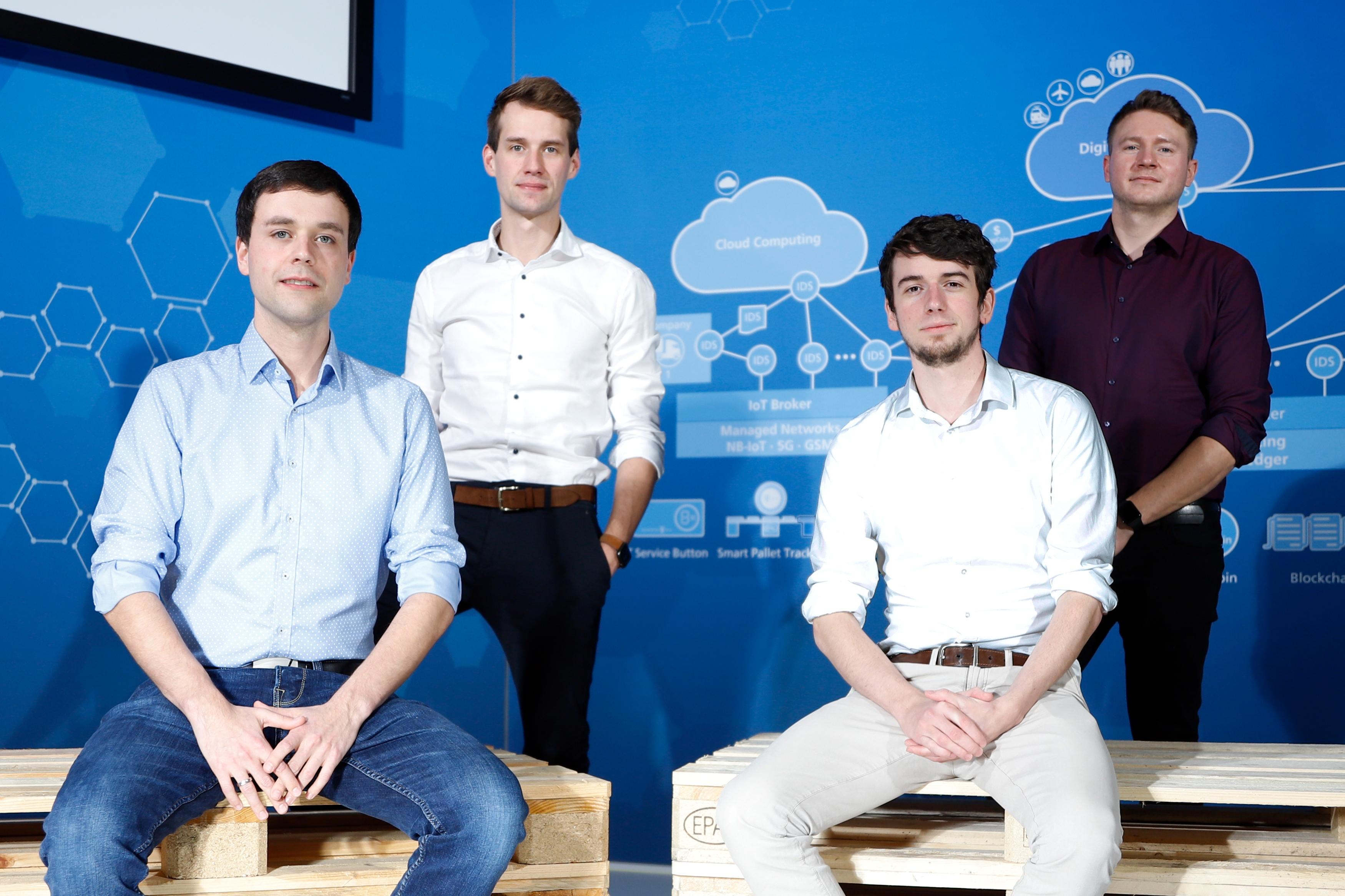 Az alkalmazás és a platform megalkotói, balról: Jan Möller, Philipp Wrycza, Patrik Elfert és Michael Koscharnyj