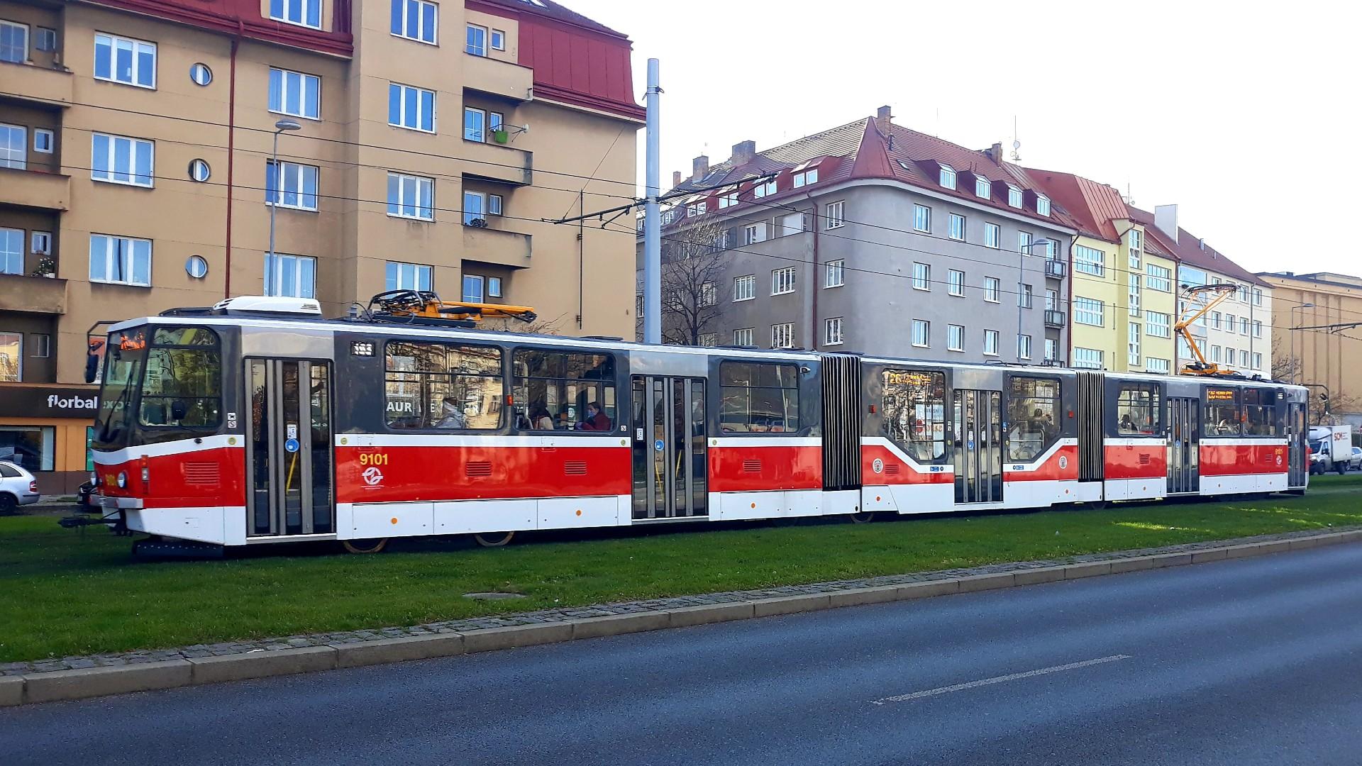 A 26-os vonalán jelent meg a 9101-es Tatra KT8D5, ami nemrég még Miskolc utcáin cirkált