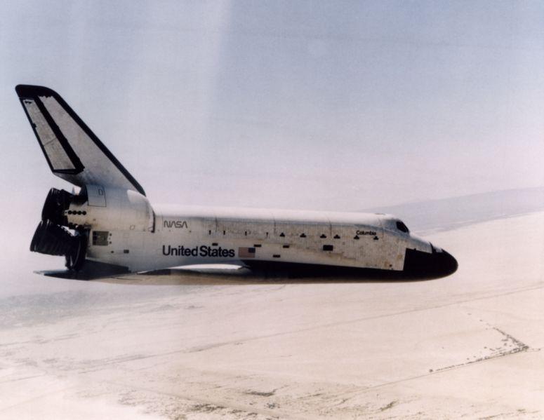 Az első érkezés az űrből vitorlázó gépként