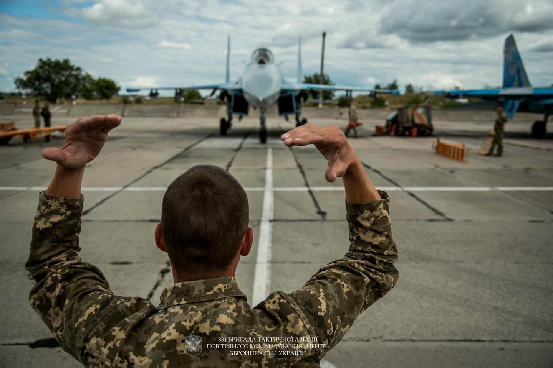 A 27-es Szuhojok  kizárólag légtérvédelmi feladatokat látnak el