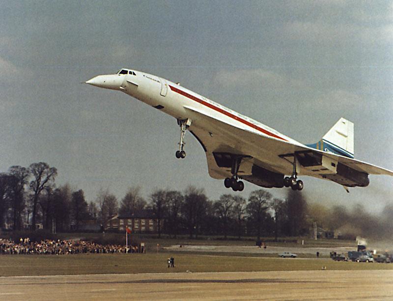 Az francia prototípus első felszállása