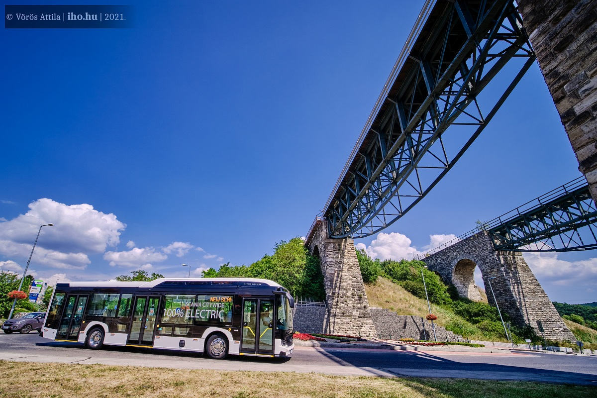 A híres biatorbágyi viaduktnál