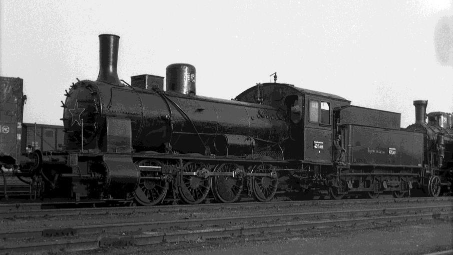 A MÁV 431,017 pályaszámú gőzmozdonya Miskolcon, 1957-ben (forrás: QuaBLA-hírlevél; Mohay Orsolya gyűjteménye)