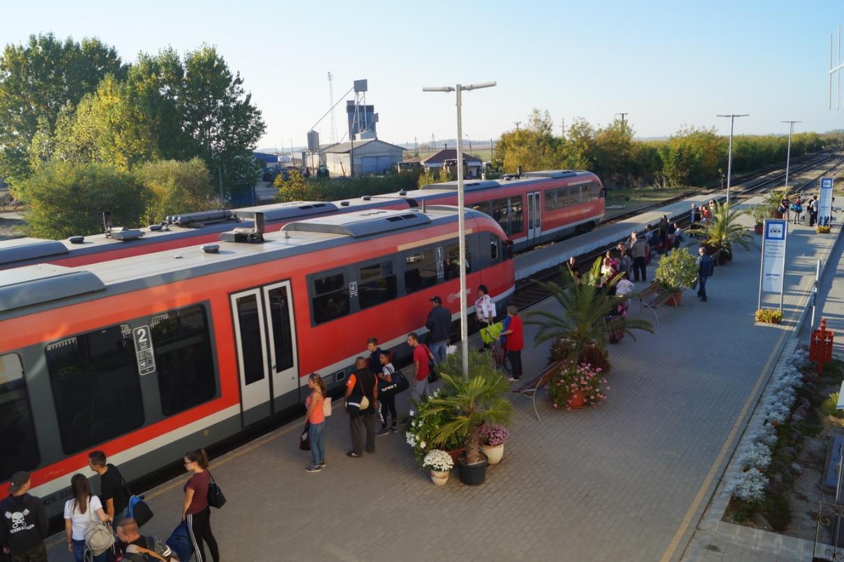 Az elmúlt években a 106-os vonal több állomása megszépült, korszerűbbé vált, köztük Pocsaj-Esztáré is. A képre kattintva galéria nyílik (fotók: Szőllősi Roland)