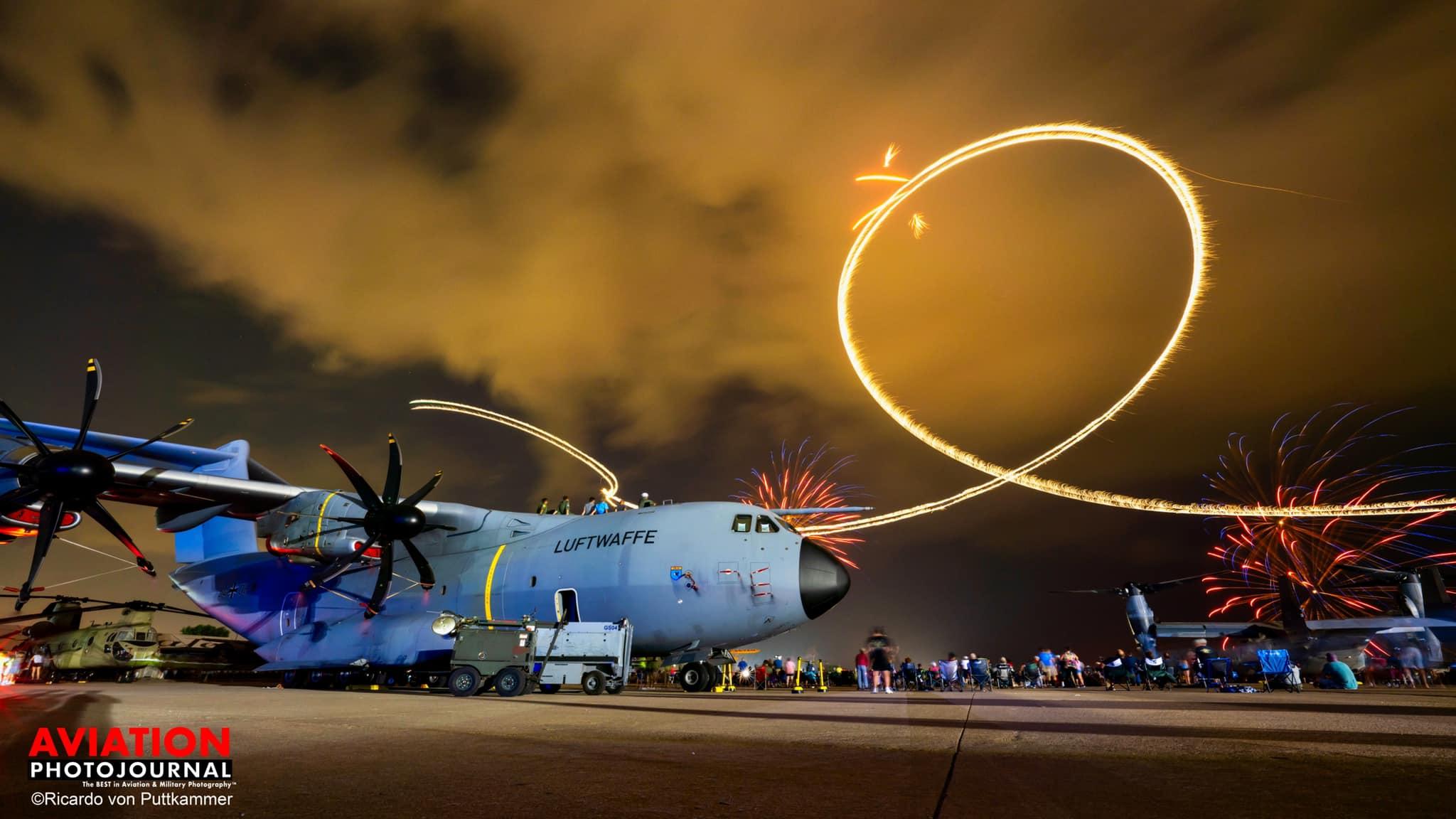 A kevés külföldi résztvevők egyike: az Airbus A400-asa a Boeing Plazán