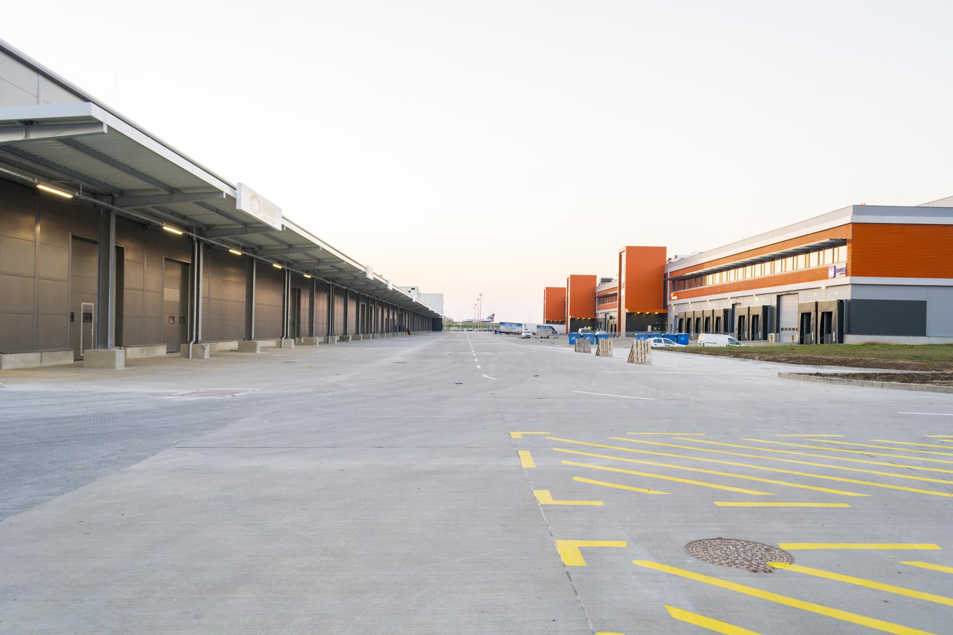 A cél egy többtízezrer négyzetméteres kínai központ felépítése