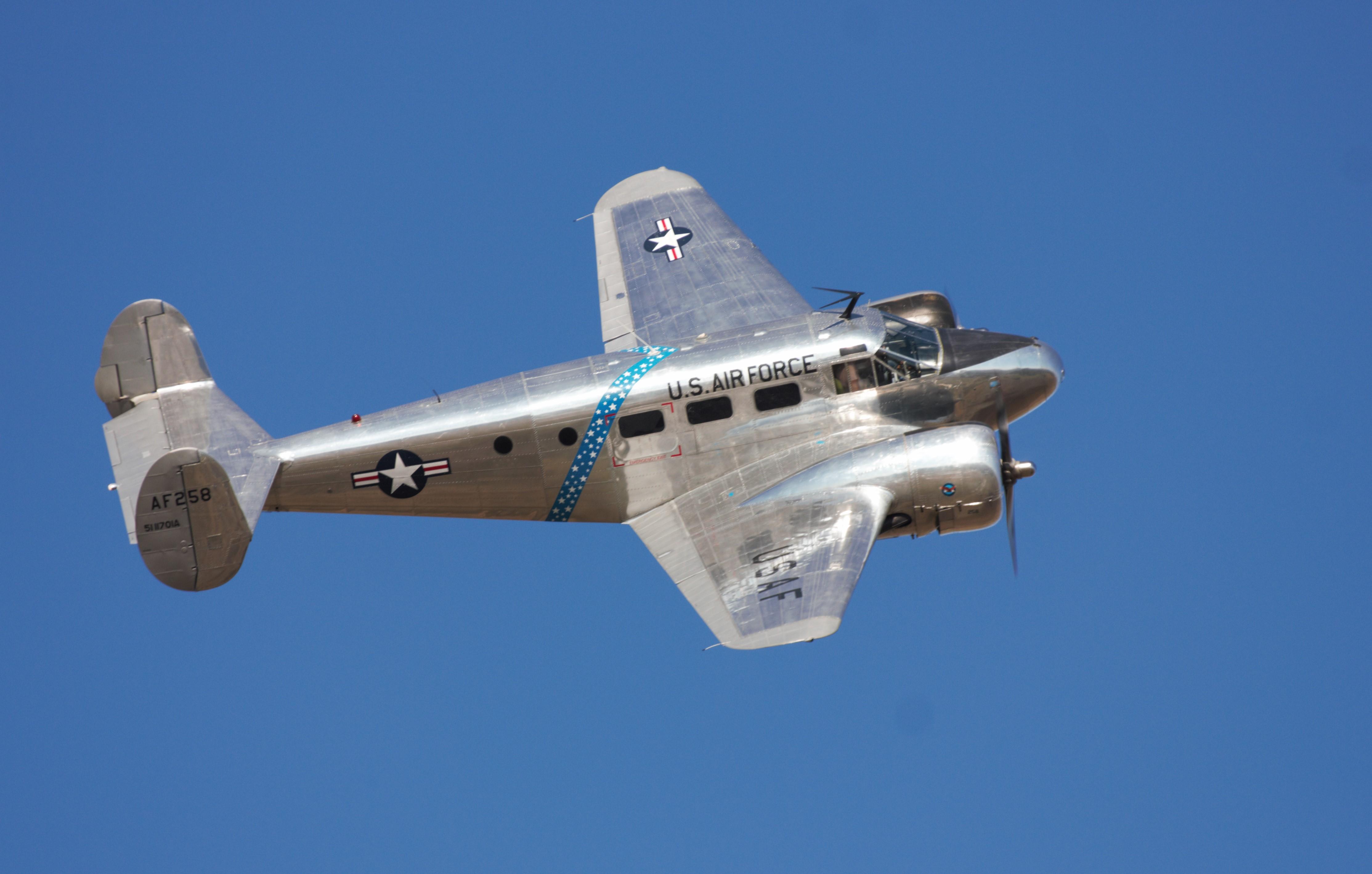 A szépségdíjas Beech-18 1942-ből