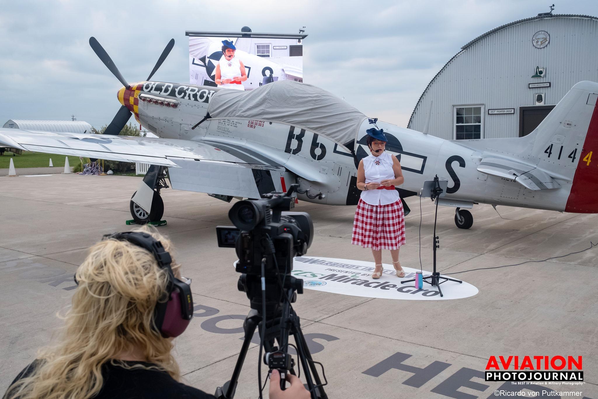 Az énekesnő és a P-51-es