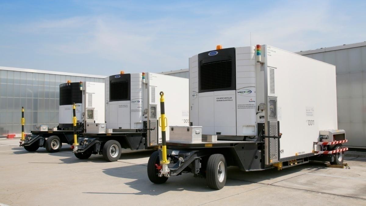 Hűtőjárművek Frankfurtban (fotó: Fraport)